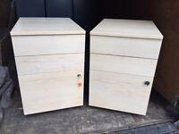 2x Pedestals(Wooden)