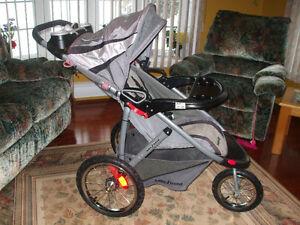 Poussette Baby Trend ( Vélocity )  450-994-2242
