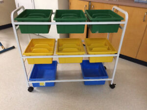 Craft cart on wheels - moveable bins