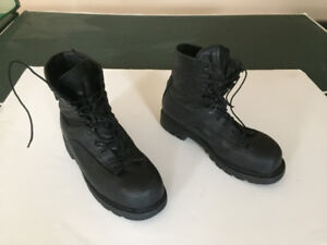 GORE-TEX Steel Toe Boots, size 9