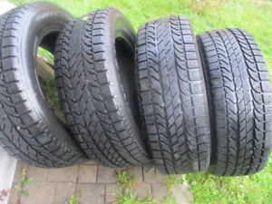WINTER TIRES   225 / 60 / 17  LIKE NEW