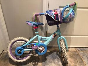 Vélo fille 14 pouces et EXTRAS