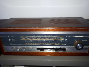 CHAINE STEREO ANTIQUE  ( FONCTIONNEL)