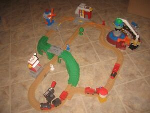 Train GEO TRAX de fisher price train et manette