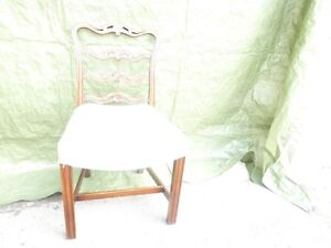 1 Mahogany chair/1 chaise en Mahogany West Island Greater Montréal image 1