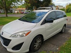 2012 Mazda5 99KM 6-Passenger Manual