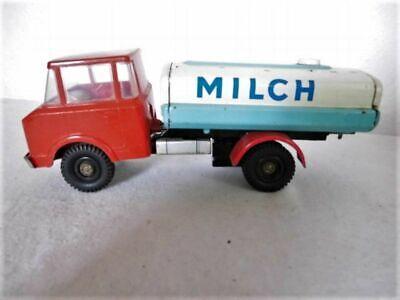 DDR MSB Milch Tanklaster LKW Laster Tanklastzug Spielzeugauto Schwungradantrieb gebraucht kaufen  Delitzsch