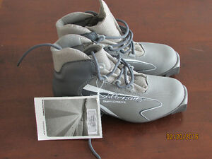 Womens Cross Country Ski Boot Size 6