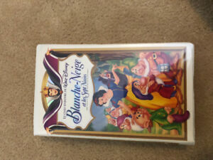 Blanche Neige et les Sept Nains (VHS) movie. Opened but only wac