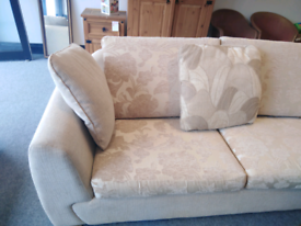 Stunning neutral 3+2 suite, 2 seater is a sofa bed