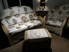 Conservatory lounge suite