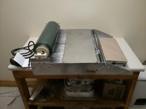 Royal Delux Overwrapper (Heat Sealer) - FARN-ESSE