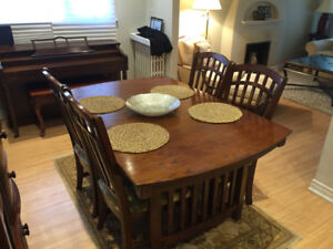 Beautiful Solid Wood Dining Table Set (6 chairs)