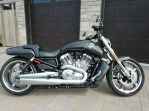 2011 Harley VROD Muscle - Carbon Fibre
