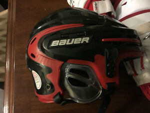 Bauer 9900 hockey helmet youth M