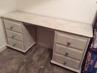 White wash dressing table
