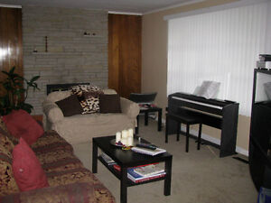 STUDENT HOUSE  RENTAL CLOSE TO UWO