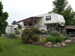 26.6 Terry Resort 5th wheel camper for sale.