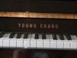 """piano Young Chang 42"""""""