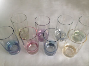 SET OF 8 MULTI COLOURED GLASSES