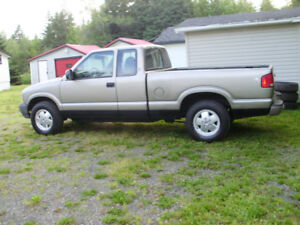 2000 GMC Sonoma Pickup Truck 4X4 Fully Loaded.Automatic.