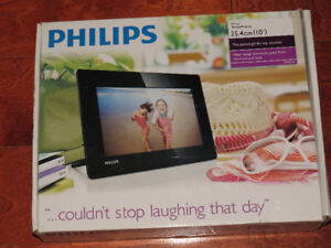 """Philips 10"""" photo frame - BRAND NEW in box"""