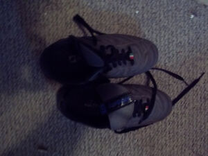 Soccer shoes, size 6