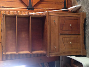 Solid pine buffet hutch in great shape