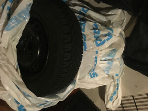 Selling snow tires on rims Oakville / Halton Region Toronto (GTA) image 1