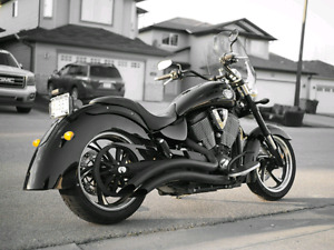 2010 Victory Kingpin Eight Ball Motorcycle