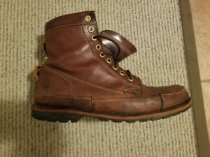Men's Boots: Maroon Timberland Boots (Size 11):