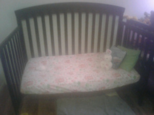 3 in 1 crib and matching change table