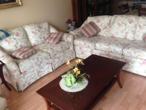 2 couches/divans Very good conditions