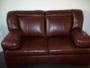 Divan-lit en cuir véritable, fauteuil