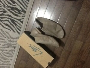 Tan Leo's Jazz Shoes- great condition