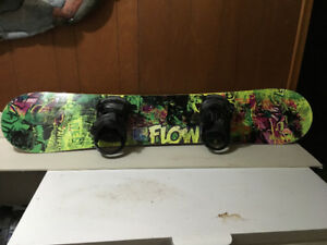 Selling a snowboard, boots and a snowboard bag