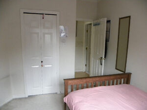 10 min.train ->to CityCentre, Private room with own key lock
