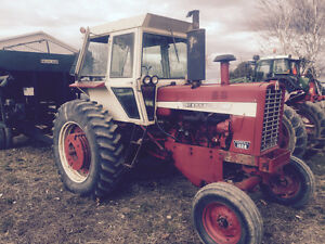 1026 International tractor OBO REDUCED