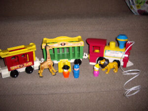 FISHER PRICE TOY CIRCUS TRAIN