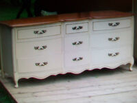 GORGEOUS FRENCH PROVINCIAL TRIPLE DRESSER *** CAN DELIVER