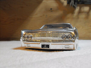 Die cast Lincoln Continental