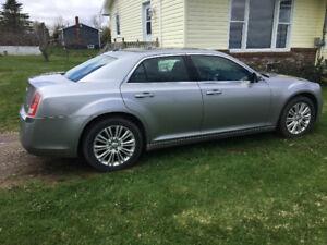 2014. Chrysler 300
