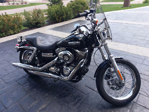 2010 FXDC Dyna Super Glide Custom (MINT)