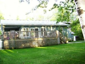 Lakefront Beautiful Family Cottage -  17 km. N. of Goderich