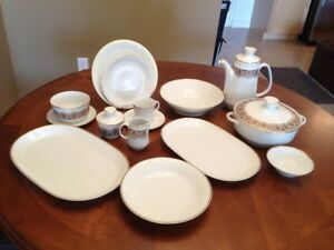 56 Pieces China Set of Dishes