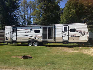 2014 joey 40 Foot trailer