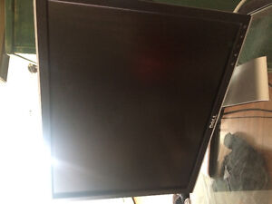 Like new 16x13 Dell monitor