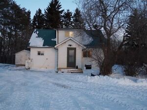 Acreage 2.5 miles South of Gronlid!