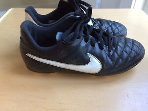 Nike soccer cleats - size 3