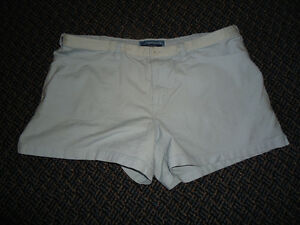 Ladies Size 15 Bluenotes Pale Blue Shorts